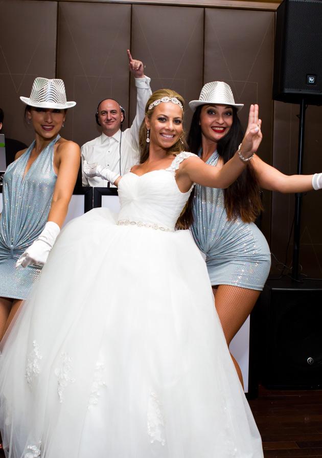 04-Russaian-Wedding-DJ-dancers